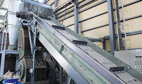 (株)共商製 SKM50-700型 廃プラスチック類の破砕
