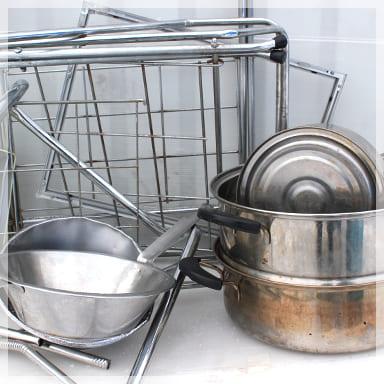 金属くず 事務用品(机、椅子、ロッカー)、電化製品、ストーブ、自転車、業務用機器